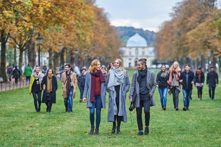 Volker Lannert Universität Bonn